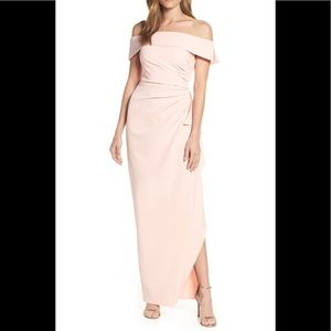 NWT Vince Camuto Off the Shoulder Crepe Gown